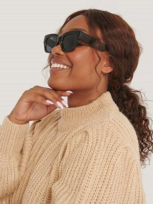 Mango Solglasögon Med Fyrkantiga Bågar svart