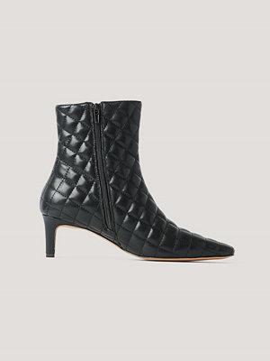 Pumps & klackskor - NA-KD Shoes Quiltade Mules Med Lång Fyrkantig Tå svart