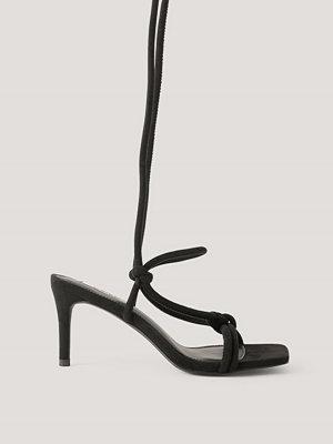 NA-KD Shoes Högklackade Sandaler Med Knutna Remmar svart
