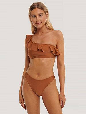 NA-KD Swimwear Högt Skuren Bikinitrosa röd