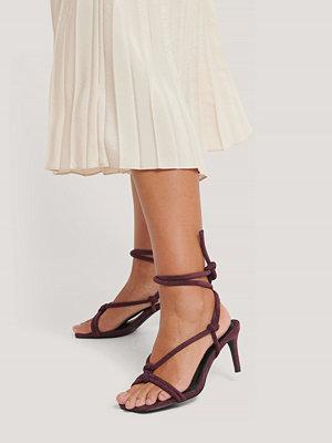 NA-KD Shoes Högklackade Sandaler Med Knutna Remmar burgundy