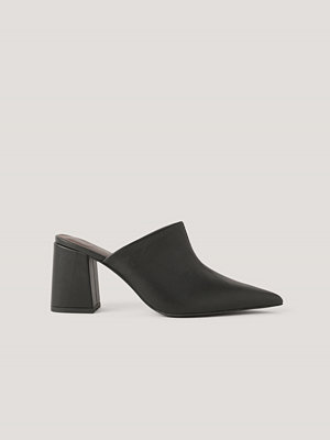Pumps & klackskor - NA-KD Shoes Mules Med Asymmetrisk Söm svart