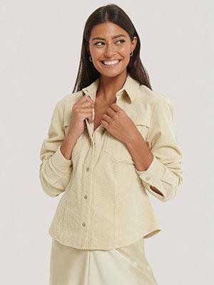 NA-KD Trend Manchesterskjorta beige