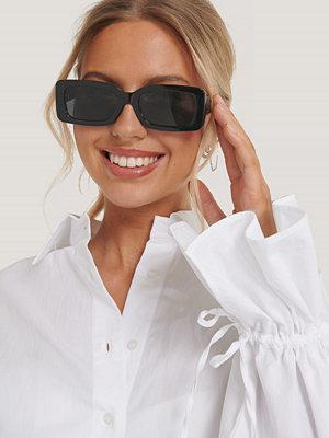 NA-KD Accessories Solglasögon Med Bred Kant svart