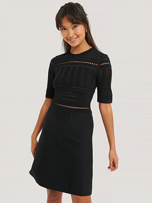 NA-KD Trend Short Sleeve Knitted Midi Dress svart