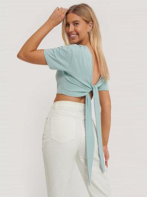 Toppar - Paola Locatelli x NA-KD T-Shirt Med Knytning Bak blå