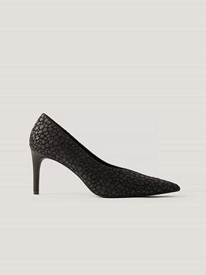 Pumps & klackskor - NA-KD Shoes Spetsiga Pumps Med V-Skärning svart