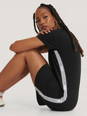 Calvin Klein T-Shirtklänning svart