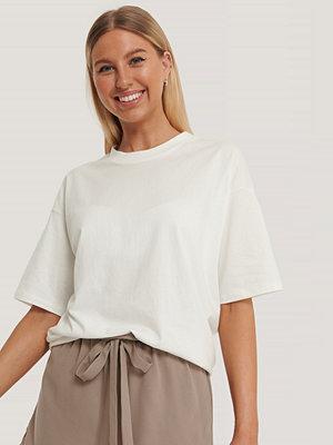 Kim Feenstra x NA-KD Oversize T-Shirt offvit