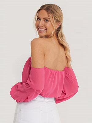 Pamela x NA-KD Reborn Recycled Off-shoulder-klänning Med Ballongärm rosa