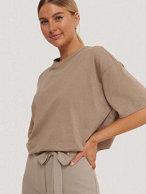 Kim Feenstra x NA-KD Oversize T-Shirt brun