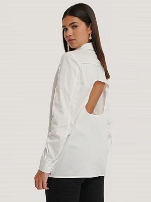 NA-KD Trend Skjorta Med Öppen Rygg vit