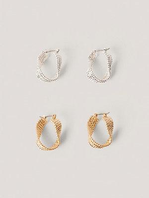 NA-KD Accessories smycke Dubbelpack Vågiga Örhängen I Lager multicolor / silver guld