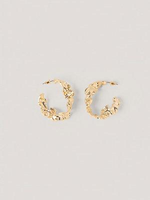 NA-KD Accessories smycke Stora Hoopörhängen Med Struktur guld