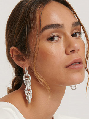 NA-KD Accessories smycke Sammanflätade Kedjeörhängen silver