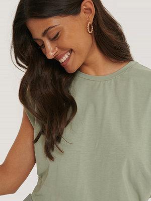 T-shirts - NA-KD Reborn Jerseytopp Med Detaljer På Ärmarna grön