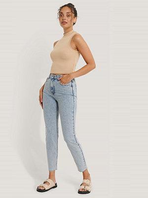 NA-KD Reborn Ekologiska Stentvättade Slim Jeans Med Hög Midja blå