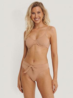 Danaë x NA-KD Bikiniunderdel Med Knytdetalj brun