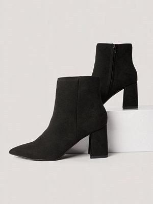 NA-KD Shoes Basic Boots I Mockaimitation Med Lutande Klack svart