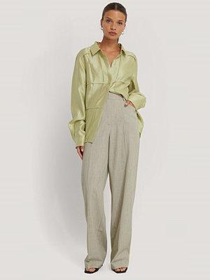 NA-KD Trend Kostymbyxor Med Vida Ben grön omönstrade
