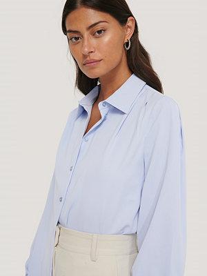 Skjortor - NA-KD Classic Blus Med Rynkad Axel blå