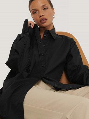 NA-KD Classic Recycled Oversize Skjorta svart