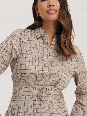 Skjortor - NA-KD Trend Skjorta Med Instoppad Midja beige