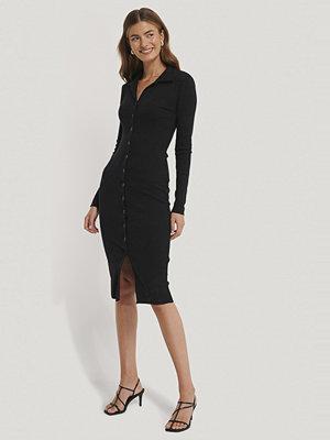 Gine Margrethe X NA-KD Rib Jersey Dress svart
