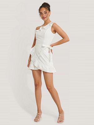 NA-KD Boho Miniklänning Med En Ärm vit