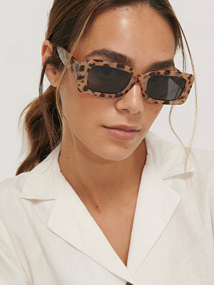 NA-KD Accessories Solglasögon Med Bred Kant brun