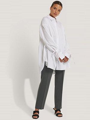 Skjortor - NA-KD Reborn Skjorta Med Knytärm vit