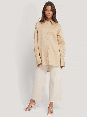 NA-KD Classic Recycled Oversize Skjorta beige