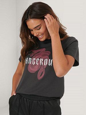 T-shirts - NA-KD T-Shirt Med Tryck svart
