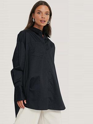 NA-KD Reborn Recycled Oversize Skjorta Med Ficka svart