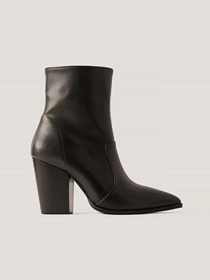 NA-KD Shoes Spetsiga Westernboots svart