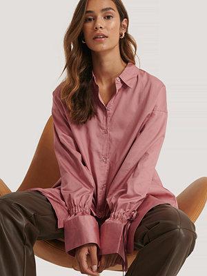 NA-KD Reborn Recycled Skjorta Med Knytärm rosa
