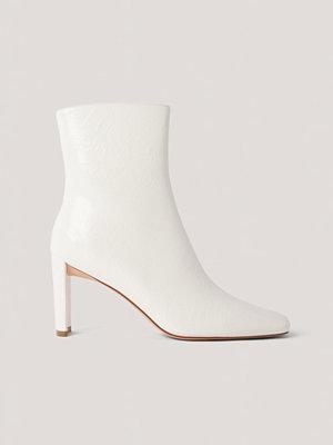 Pumps & klackskor - NA-KD Shoes Stövletter Med Rynkning På Ovansidan vit