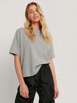 NA-KD Reborn Ekologisk Oversize T-shirt grå