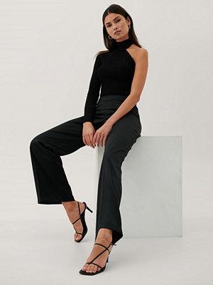 Paola Locatelli x NA-KD Recycled Byxor Med V-formad Midja svart svarta