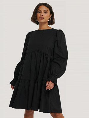 NA-KD Trend Klänning svart