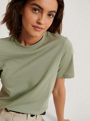 NA-KD Basic Bas-T-Shirt grön