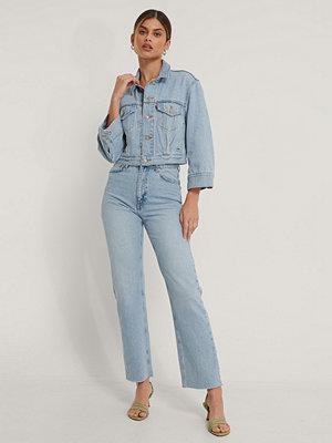 NA-KD Trend Ekologiska Raka Jeans Med Hög Midja Och Rå Fåll blå