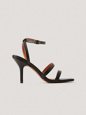 NA-KD Shoes Basic Högklackade Med Remmar svart