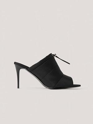 NA-KD Shoes Spetsiga Högklackade Skor Med Öppen Tå Och Dragsko svart