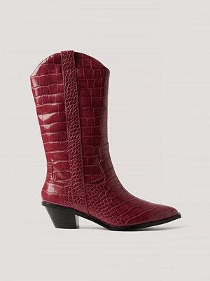 NA-KD Shoes Raka Cowboyboots Med Krokodilmönster röd