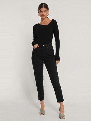 NA-KD Reborn Ekologiska Mom-jeans svart