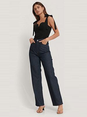 Basma & Merna x NA-KD Jeans Med Rak Passform blå