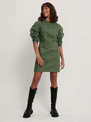 NA-KD Reborn Ekologisk Denimklänning grön