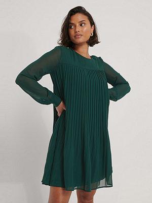 Trendyol Miniklänning I Singoallamodell grön