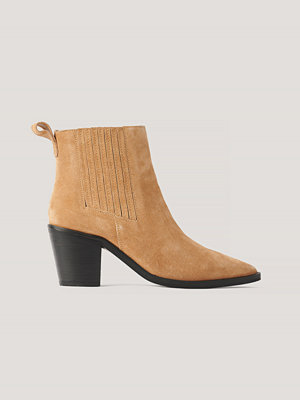 Boots & kängor - NA-KD Shoes Pistol-Boots I Mocka brun